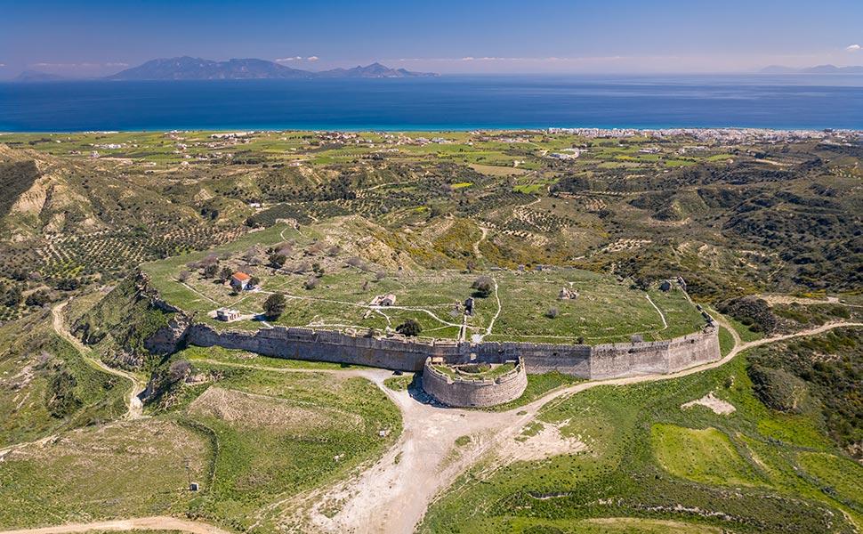 Πανοραμική θέα του κάστρου της Αντιμάχειας.