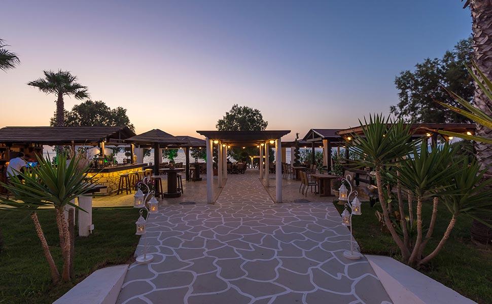 Bravo παραλιακό μπαρ στο Μαστιχάρι - Κως, Ελλάδα