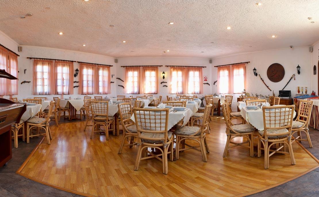 Restaurant Indoor at Gaia Garden Hotel